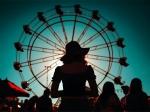 ঘরে বসে বোর হচ্ছেন? দেখে নিন বন্ধুদের নিয়ে বিনোদনমূলক পার্কে সময় কাটানোর উপায়গুলি