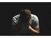 মানসিক অসুস্থতা বা স্ট্রেস: কোনও ব্যক্তিকে আত্মহত্যার দিকে পরিচালিত করে?