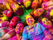 Holi 2021 : এবছর আপনার রাশি অনুযায়ী রঙ খেলুন, সৌভাগ্য বৃদ্ধি হবে!
