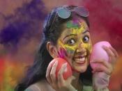 Holi 2021 : দোলের রঙ থেকে কীভাবে বাঁচাবেন চুল ও ত্বক? রইল কিছু টিপস
