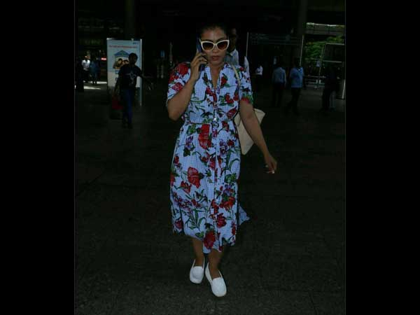 kajol at airport