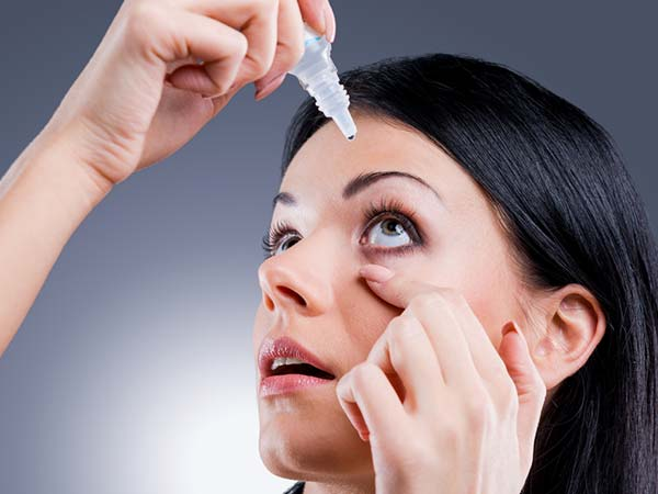 eye make-up, dry eye syndrome, eye infection, causes of dry eyes