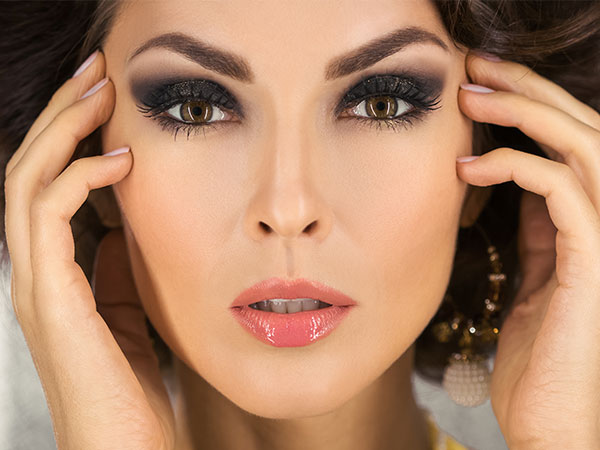 Basics Of Smoky Eyes To Learn Before You Go For The Look