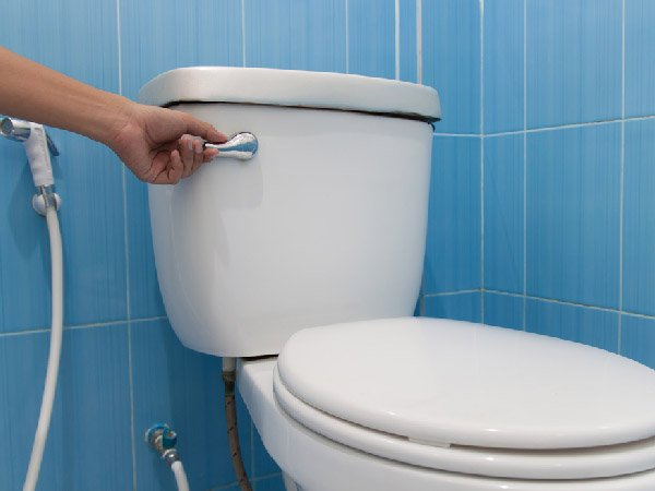 tips for cleaning the toilet right