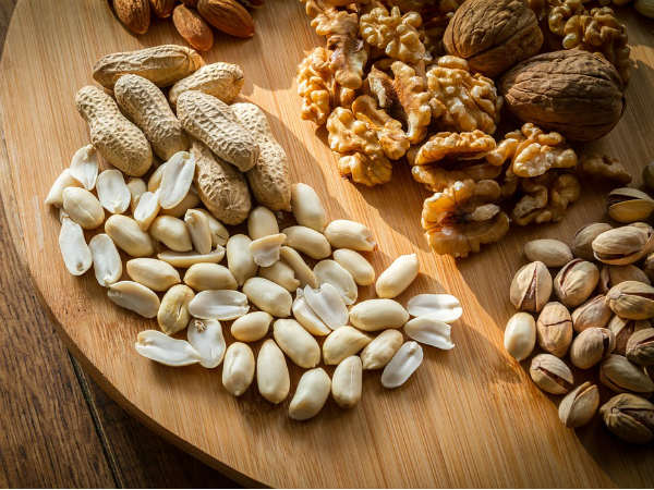 Heres How You Should Eat Nuts To Control Diabetes
