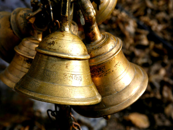Always Keep These 5 Things In Your Puja Room If You Wish Financial Prosperity In Home