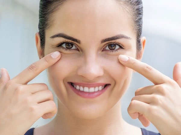 Home Remedies To Treat Dark Circles