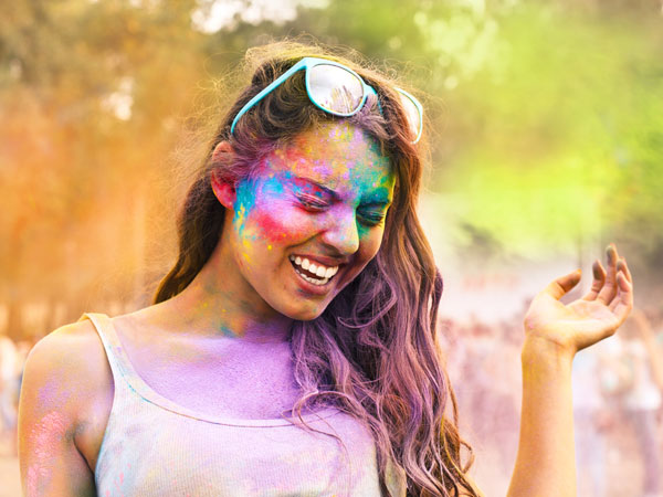 Natural Ways To Remove Holi Colours From Skin