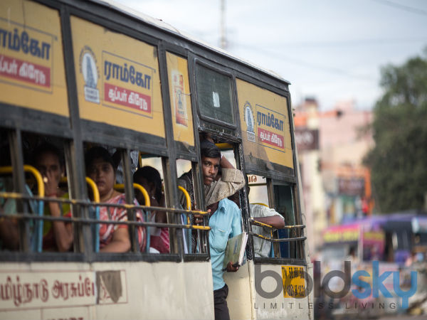 করোনা ভাইরাস : কর্মস্থলে যাচ্ছেন বাসে,ট্রামে, অটোয়? বিপদ ঠেকাতে মেনে চলুন এই স্বাস্থ্যবিধি