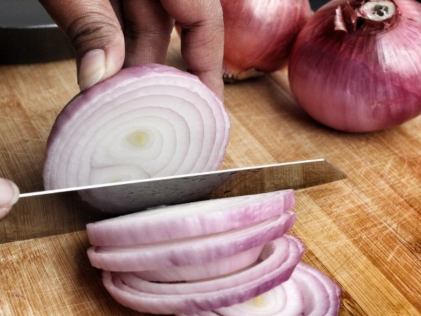 Tips To Cut Onions Without Getting Tears