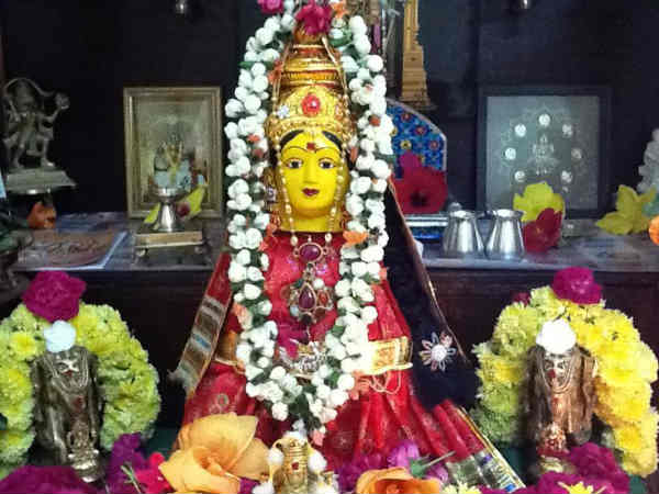 Varalakshmi Puja 2020 Date Time Vrat Katha And Significance