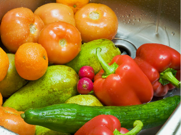 COVID-19 Pandemic : Tips To Properly Wash fruits and vegetables at home
