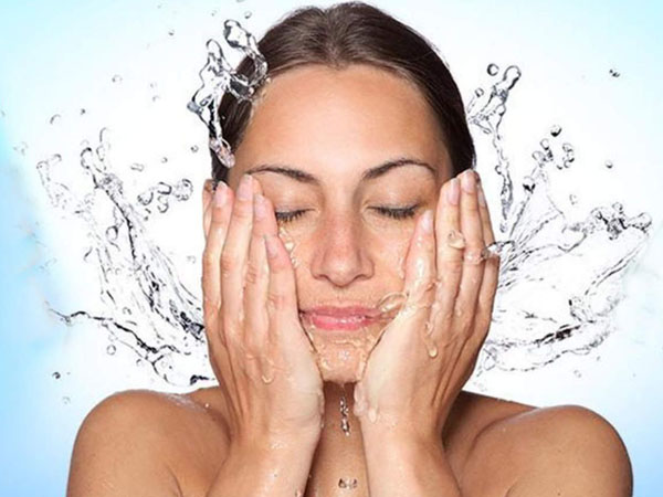 Reasons Why Washing Your Face With Cold Water Can Be Good For Your Skin