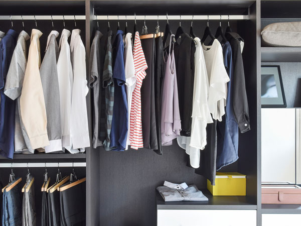 Simple Ways To Get Rid Of Dampness And Smell From Clothes During Monsoon
