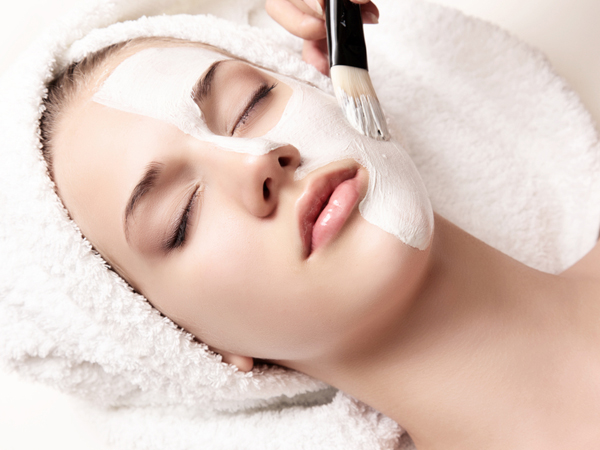 Things To Keep In Mind Before Getting A Facial In Bengali