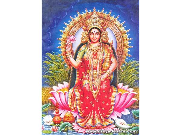 Kojagari Lakshmi Puja 2021 : সৌভাগ্য ফেরাতে কোজাগরী লক্ষ্মীপুজো করুন, জেনে নিন নির্ঘণ্ট