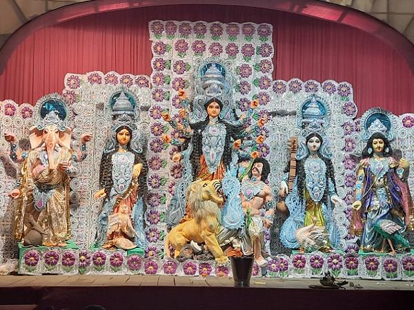 Durga Puja 2021 : মহাসপ্তমীতে নবপত্রিকা পুজো, জানেন কি কেন একে কলাবউ বলা হয়?
