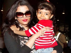 Aishwarya Rai Bachchan Aaradhya Bachchan Candid Picture
