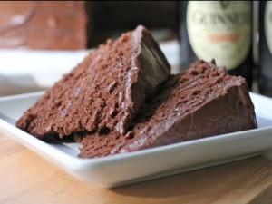 Gluten Free Chocolate Cake With Chocolate Ganache