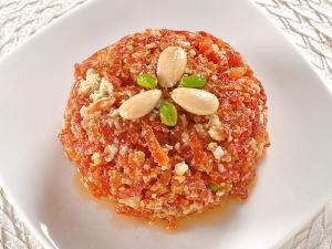 Gajar Ka Halwa With Khoya Recipe