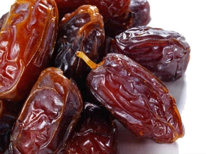 Eight Reasons To Eat Dates During Winters