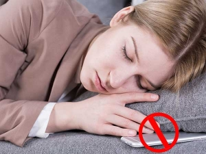 Stop Sleeping Near Cell Phone