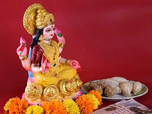 Here Is How To Please Goddess Laxmi According To Your Zodiac Sign