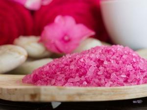 Ten Surprising Benefits Of Epsom Salts