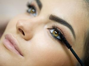 How To Make Homemade Eye Friendly Mascara