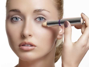 How To Apply Makeup In The Correct Order