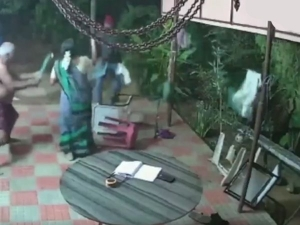 Old Couple In Tamil Nadu Chases Off Robbers
