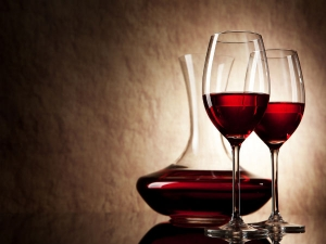 Ways To Use Red Wine For Skin And Hair