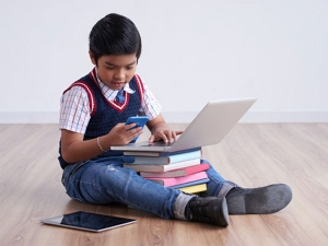 Tips For Parents To Save Their Children From Becoming Tech Addicts