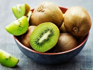 Kiwi Fruits Nutritional Health Benefits Risks How To Eat