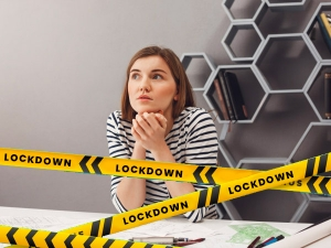 Women Feeling Lonelier Than Men During Lockdown New Study
