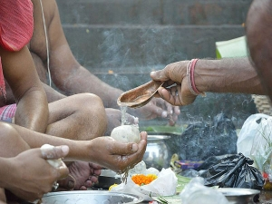 Pitru Paksha How To Perform Shraddha Pooja At Home In Bengali