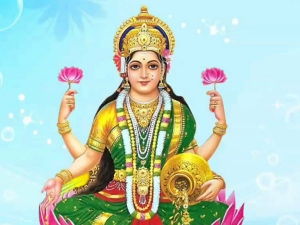 Lakshmi Puja Chant Mantra Based On Your Zodiac Sign