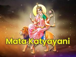 Navratri Day 6 Goddess Katyayani Puja Vidhi Mantra Significance