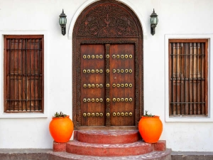 What You Must Keep In Front Of Your Main Door To Invite Luck