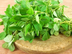 Benefits Of Fenugreek Leaves For Skin And Hair In Bengali