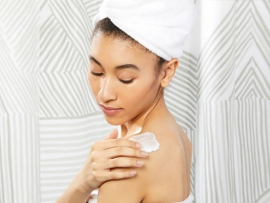 Why You Should Not Use Body Lotion On The Face