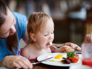 Foods You Must Avoid Giving Your Children During Winters