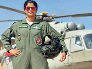 All About Swati Rathore First Woman To Lead Republic Day Parade Flypast In Bengali