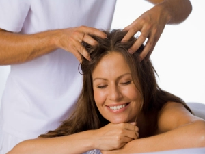 How To Give Yourself A Scalp Massage Step By Step Guide To Give Yourself A Relaxing Head Massage