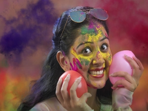 Holi 2021 Beauty Guide To Protect Your Hair And Skin Before Holi