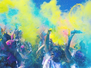 Holi Is Bringing Happiness For These Five Zodiac Signs Will Benefit From Auspicious Yoga Of Planets