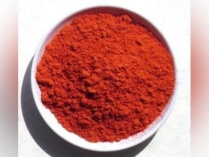 Red Sandalwood Powder Face Pack For Glowing Skin