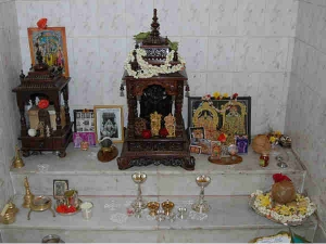 Things You Should Never Keep In Puja Room In Bengali