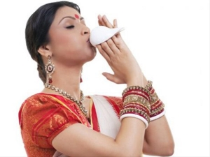 Significance Of Conch And Swastik In Hindu Religion In Bengali
