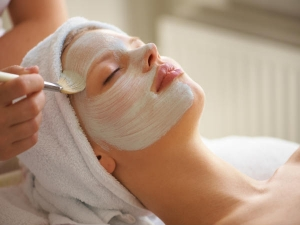 How To Do Curd Facial At Home For Glowing Skin